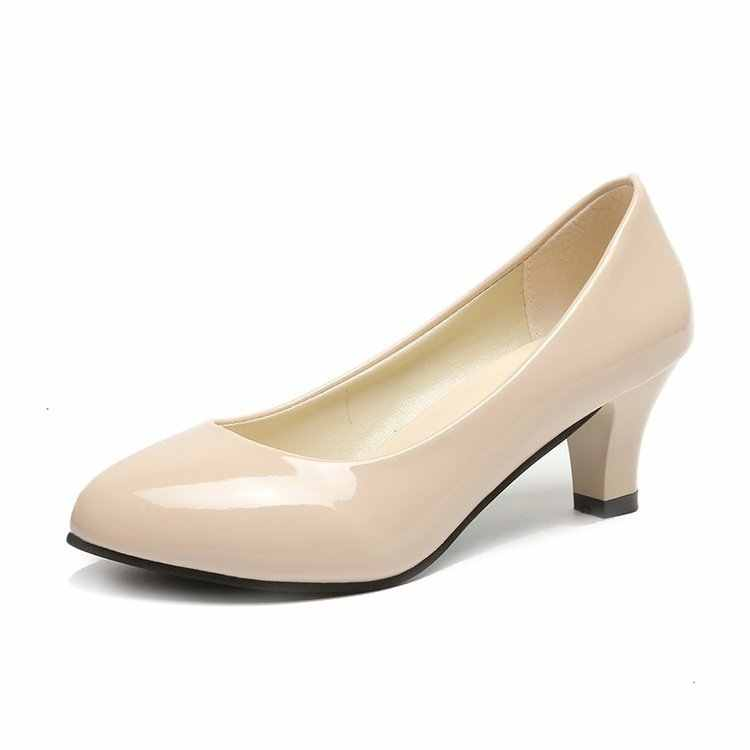 Wanita Kulit Med Heels Baru Kualitas Tinggi Klasik Hitam & Putih Pompa untuk Kantor Wanita Putih Sepatu Hak Tinggi merah Sexy Tumit 399