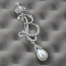 new Baroque  B-shaped Pearl brooch Joker temperament popular upscale women rhinestone