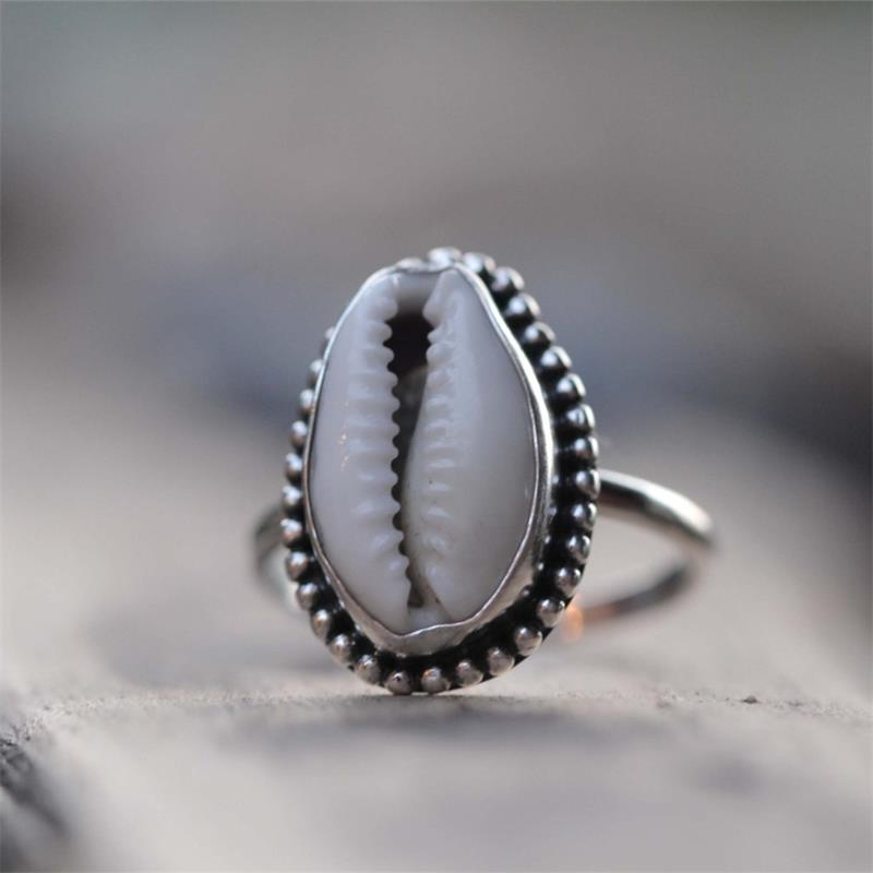 Beautiful Silver Color Cowrie Statement Ring Fashion Bohemian Shell Rings for Women Jewelry
