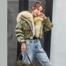 В году, Короткая Меховая парка в уличном стиле для девочек куртка с подкладкой из овечьего меха зимняя куртка-бомбер с капюшоном и отделкой из лисьего меха