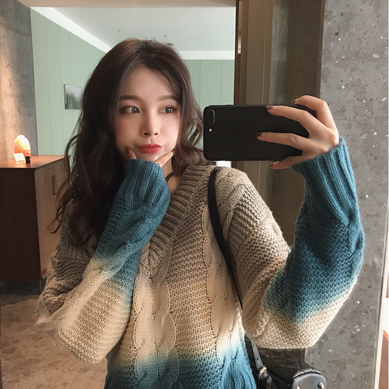 MISHOW Women Sweater V-neck Gradient Thick Knit Sweater Female Elegant Loose Sweaters Women Fashion MX19D5556