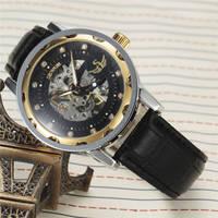 SEWOR Top Marke Luxus Männer Uhren Lederband Mechanische Hand Wind Skeleton Armbanduhr Uhren Klassische Mann Uhr relogio masculino-in Mechanische Uhren aus Uhren bei