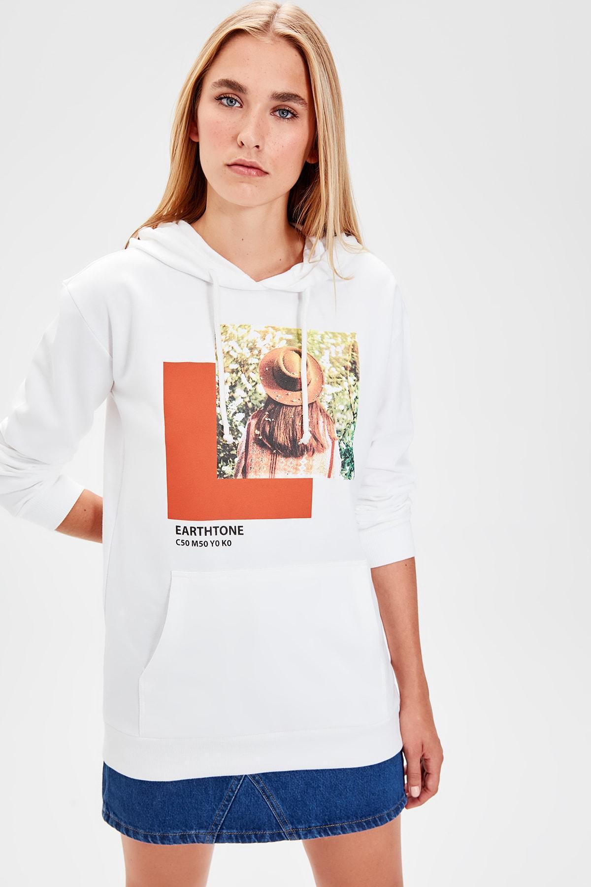 Trendyol White Printed Knitted Sweatshirt TWOAW20SW0187