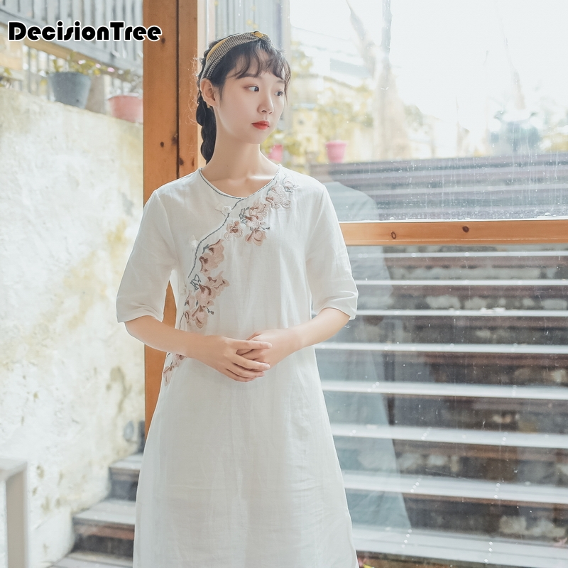 2020 Chinese Dress Cheongsam Qipao Chinese Traditional Dress Women's Cotton And Linen Cheongsam Qipao Half Sleeve Long Dress
