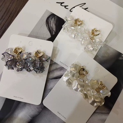 New Korean Acrylic Shell Flower Petal Drop Earrings For Women Elegant Metal Hollow Heart Holiday Pendientes Jewelry Accessories