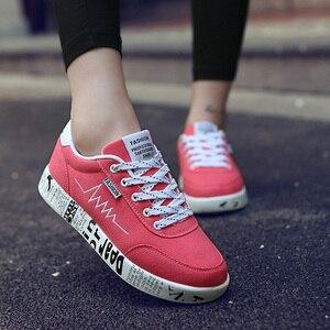 Image 4 - Mulher vulcanizado sapatos primavera verão sapatos casuais senhoras respirável tênis de lona feminino graffiti impresso sapatos planos mais tamanho