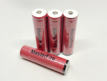 Wholesale MasterFire Original Protected Sanyo UR18650ZY 2600mah 18650 3.7V Rechargeable Lithium Battery with PCB For Flashlights