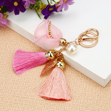 Fashion Crystal Flower Keychain Elegant Flowers Bohemian Lady Bag Pendant Tassel Car Girl Gift