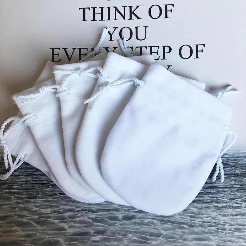 구슬 매력 팔찌 여성을위한 10 개/몫 플란넬 가방 파우치 원래 유럽 보석 생일 선물 화이트 가방 외부 포장