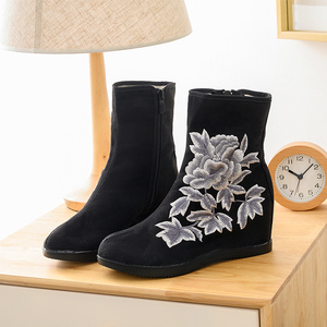 Image 3 - Veowalk tekstil süet kadın işlemeli kısa yarım çizmeler 6.5cm gizli kama Vintage bayanlar konfor yumuşak pamuk patik ayakkabı