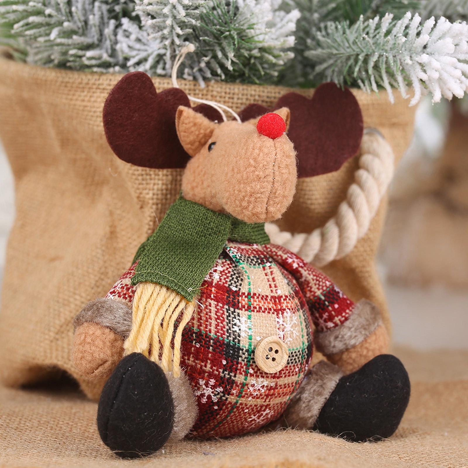 Santa Claus Kawaii Ornaments Plaid Cloth Buttons Spherical Miniature Christmas Ornaments Snowman Shaped Elk Ornaments Plush Toys