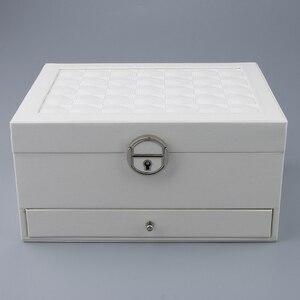 Image 3 - Multicamadas de couro brincos portáteis anel do parafuso prisioneiro jóias armazenamento exibir caixa jóias embalagem presente exibição para as mulheres