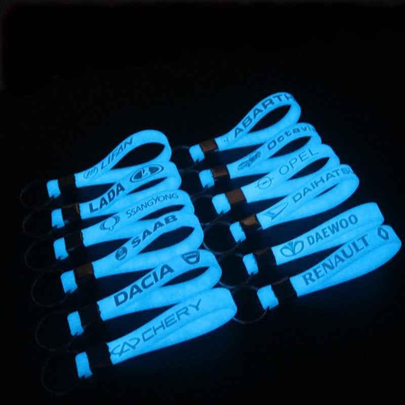 En Silicone lumineux autocollant De Voiture Porte-clés Pour Audi A4 B5 B6 B8 A6 C5 A3 A5 Q5 Q7 BMW E46 E39 E90 E36 E60 E30 F30 X5 E53 OPEL