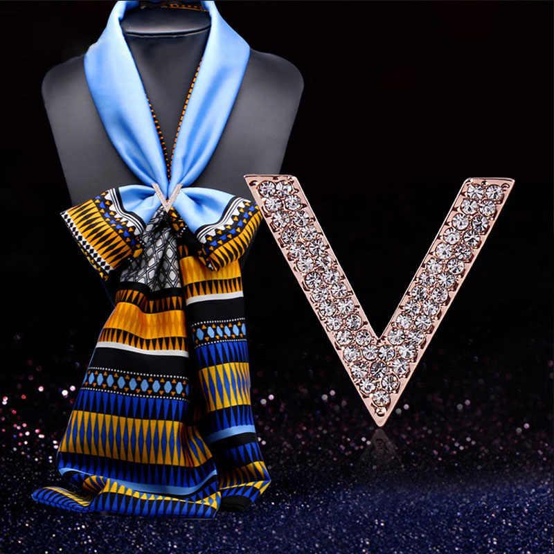 2019 Gaya Baru Bros Syal Gesper Bunga Temperamen Kristal Berlian Imitasi Mewah Syal Klip untuk Wanita Wanita Perhiasan Hadiah