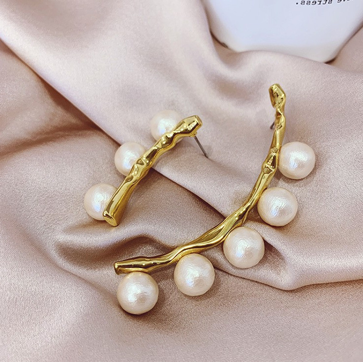 H26c541c702d546c48ea646b94c1809d6Q - Fashion Simulated Pearl Statement Big Small Hoop Earrings for Women Exaggerate Circle Earrings Personality Nightclub Jewelry