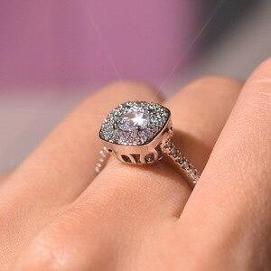 Image 3 - S925 prata cor quadrado anel de diamante para mulher 2 quilates anillos bizuteria jóias de casamento branco topázio pedra preciosa anel de diamante caixa