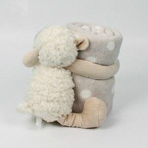 Image 4 - Bebek konfor bebek ile uyku arkadaşı havlu bebek sevimli beyaz kuzu Holding battaniye bebek oyuncak peluş hayvan çocuklar için doğum günü hediyesi