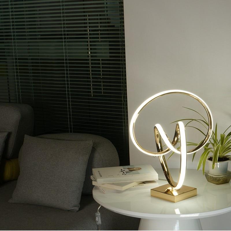 Lámpara de mesa LED Art Deco para living room bebroom lámpara de decoración de escritorio dorada lámpara de escritorio de estilo moderno para la decoración del hogar - 4