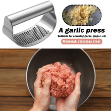 Stainless Steel Curved Garlic Press Vegetable Chopper Crusher Manual Ginger Mincing Masher Kitchen Gadgets manual stainless steel pressure garlic garlic ginger squeeze creative kitchen tool 16cm 5cm free shipping