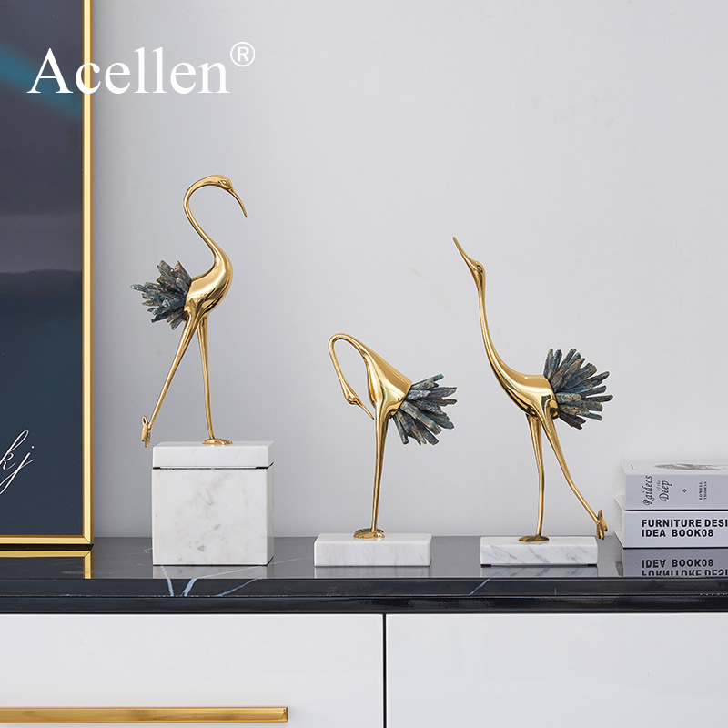 Modern light luxury crystal copper crane animal decoration Home decoration accessories Living room soft TV cabinet wine cabinet