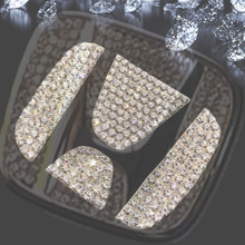Steering Wheel Emblem Rhinestone Car Stickers Logo Badge Decals Car styling for Honda Mazda Corolla Rav4 Camry Benz GLE Toyota(China)