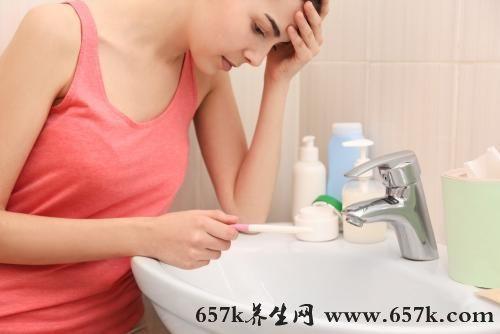 刷牙干呕的原因 慢性咽炎会导致刷牙干呕哦