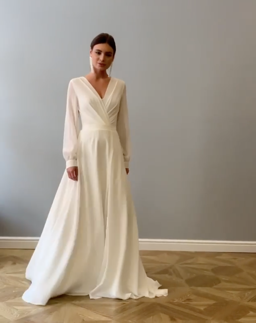 Elegant Bohemian Long Sleeve Wedding Dress A Line Chiffon Modest Simple Sexy Deep V Neck High Slit Women Plus Size Bridal Gowns