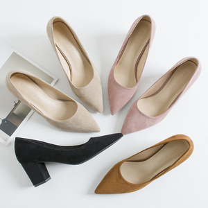 Image 1 - 2020 sapatos para mulher deslizamento ons praça de salto alto escritório senhora rebanho apontou dedo do pé sexy casamento salto alto sólida mulher bombas
