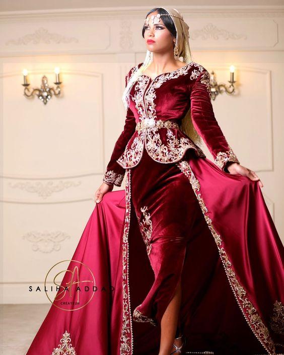 Karakou Moderne Burgundy Velvet Prom Formal Dresses With Overskirt Gold Lace Applique Long Sleeve Arabic Evening Wear Gowns