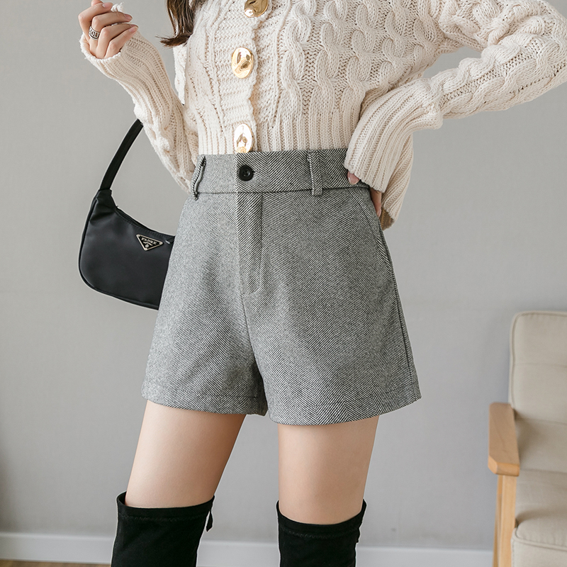 DONAMOL Plus Size Korean Style 2019 Autumn Winter Women Woollen Cloth A-line Shorts Casual Middle-waisted Button Wide Leg Shorts