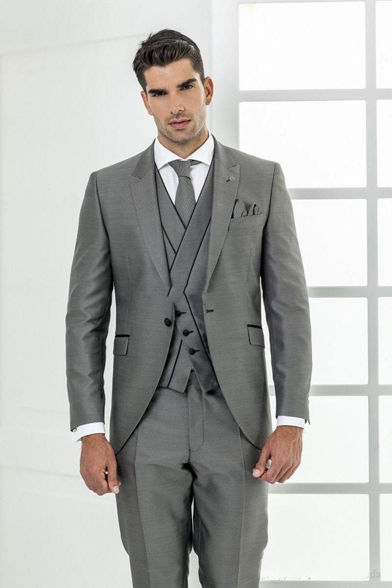 2019  New Three Piece Grey Evening Party Men Suits Peak Lapel Slim Fit Custom Made Wedding Tuxedos (Jacket + Pants + Vest+Tie)