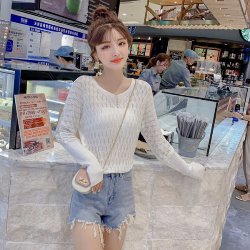 2019 womens spring and autumn new fashion V neck Sexy hollow sweater long sleeve short bat sleeve temperament sweater Female