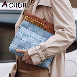 Nouvelle pochette pour femmes sac mode personnalisé manche en bois sac à tricoter qualité PU cuir dames grande capacité fourre-tout sacs de soirée
