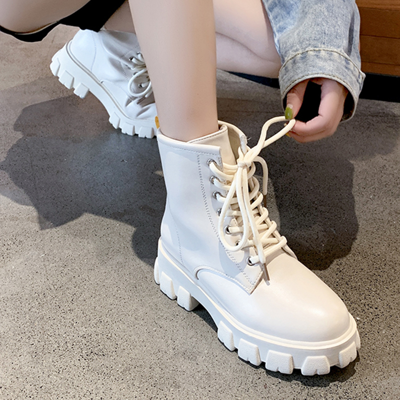 2019 New Retro White Platform Boots Women Shoes Martin Boots Female Warm Plush Fur Winter Boots Lace Up Leather Chunky Heel