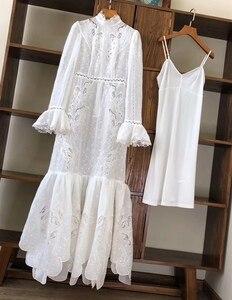 Женское дизайнерское длинное платье Qian Han Zi, белое ажурное платье макси с длинным рукавом и вышивкой, лето 2020