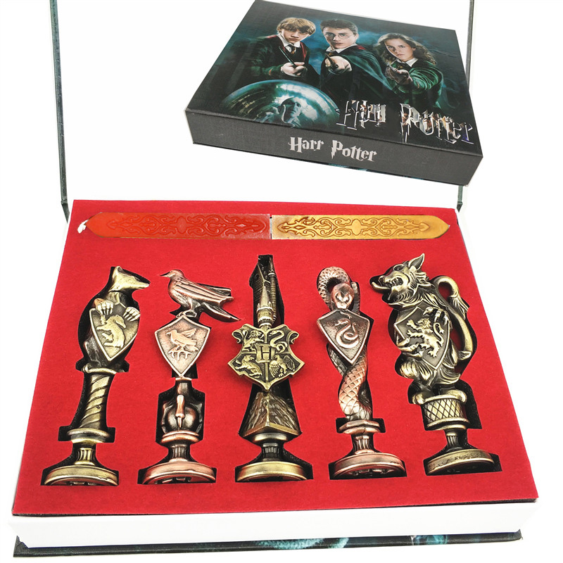 Harri Potter Seal Stamp Vintage Alphabet Wax 3D Metal Badge Seal Sets Hermione Magic Wand Weapon Keychain Necklace Box Toy 1