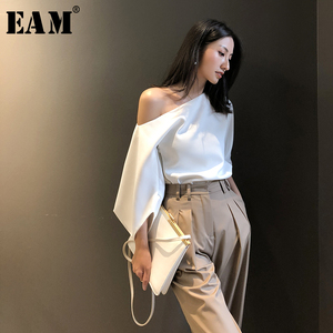 [EAM] Women White Elegant Blouse New Skew Collar Three-quarter Sleeve Loose Fit Shirt Fashion Tide Spring Summer 2020 1W426