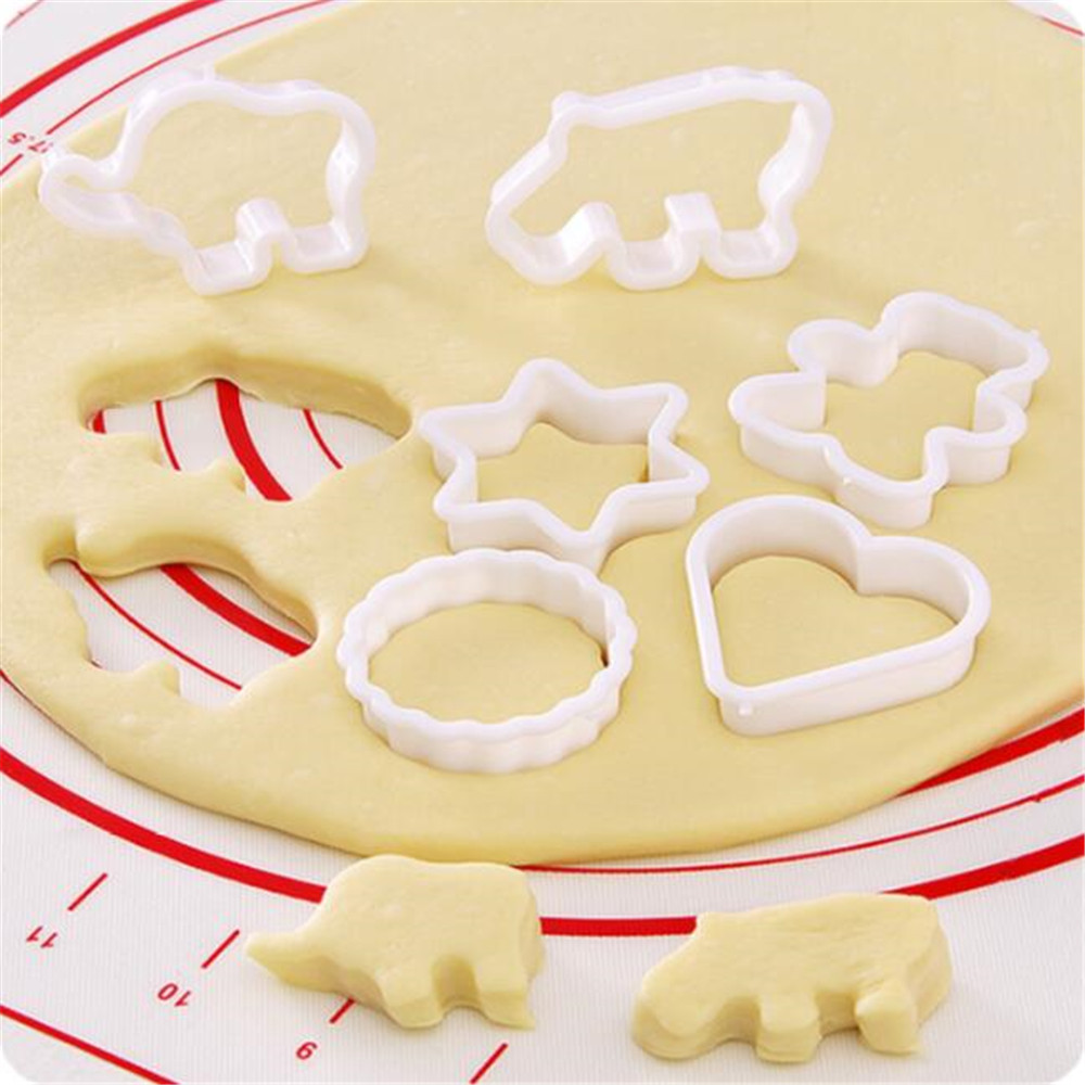 6pcs/set Christmas Cookie Cutter Tools Stainless Steel Gingerbread Men Shaped Holiday Biscuit Mold Kitchen Cake Decorating Tool