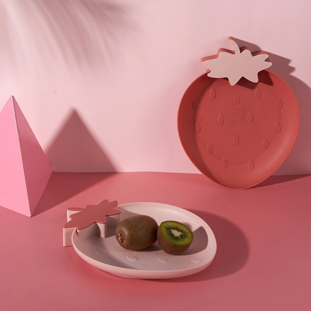 Lazy Snack Tray Strawberry Shape Fruit Food Tray Candy Cute Plate Snack Dish Fruit Food Plate Household Plastic Plate for Home 2