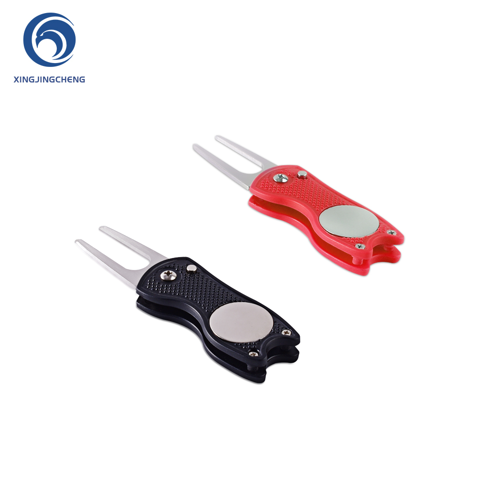 Novelty Foldable Golf  Divot Repair Tool Pitch Cleaner With Spring Button Magnetic Portable For Outdoor Training Golf Accessory