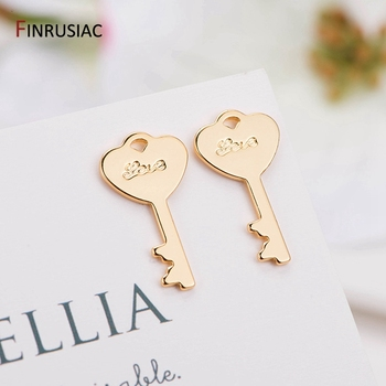 DIY jewelry accessories 14K real gold plated glossy brass metal key pendant charm for handmade making necklace bracelet 2020 new designer flower charm plated gold rose pendant diy earrings charms making necklace accessories
