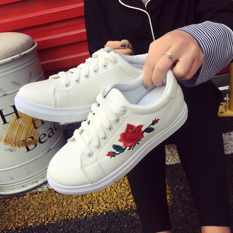 2020 Hot New Sneakers White Sports Shoes Rose Flowers Embroidery Laces Leisure Flat-soled Women's Running Shoes Zapatos De Mujer