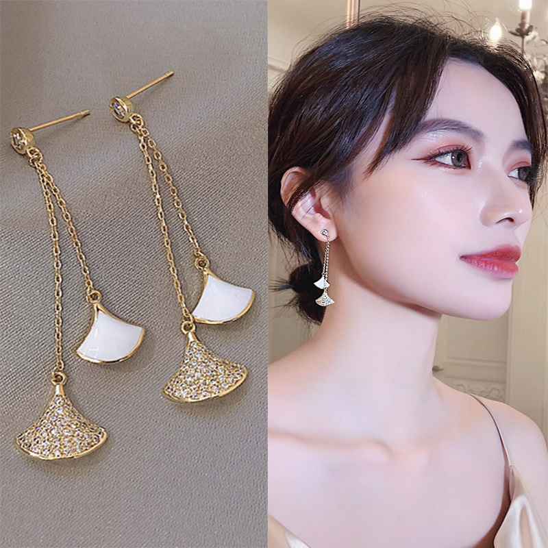 Advanced Sense Of French Personality Earrings Female Temperament Simple And Exquisite Crystal Fan-shaped Long Tassel Earrings