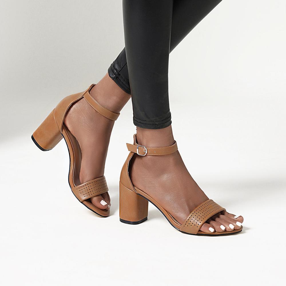 Женские Босоножки на каблуке, черные Босоножки с открытым носком, на ремешке с пряжкой, с бархатной подкладкой, большие размеры, лето 2021