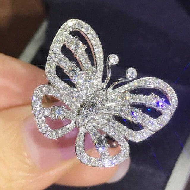 Koreański nowy projekt luksusowy błyszczący duży stras cyrkon pierścień z motylem dla kobiet Bijoux Bague biżuteria ślubna na prezent