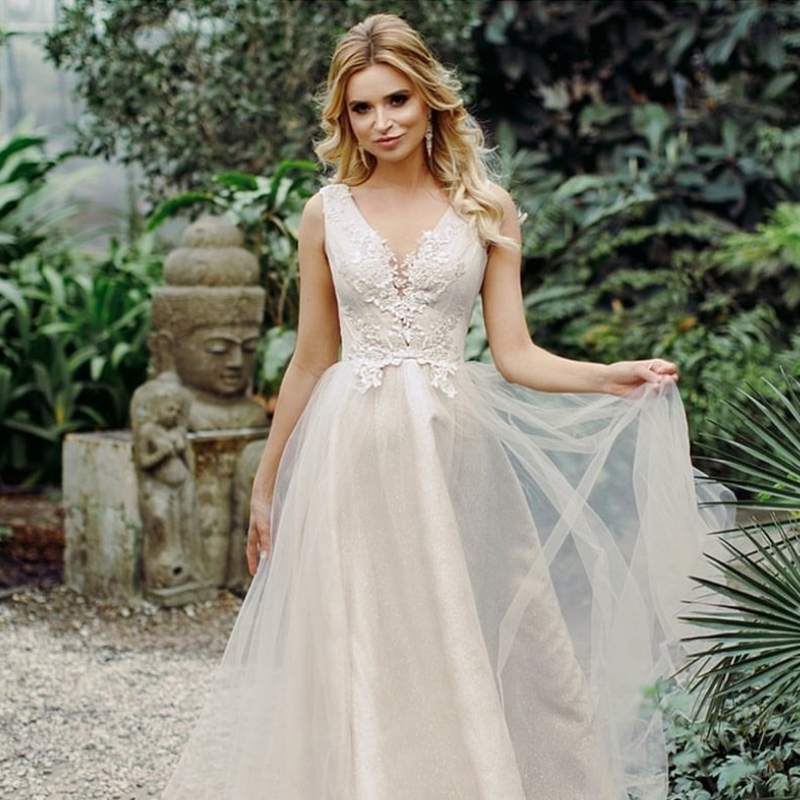 Lace Wedding Bohemian Beach Elegant Bridal Women Simple Sleeveless Line Dress Appliques Boho Neck A Sleeveless Gowns V 2021
