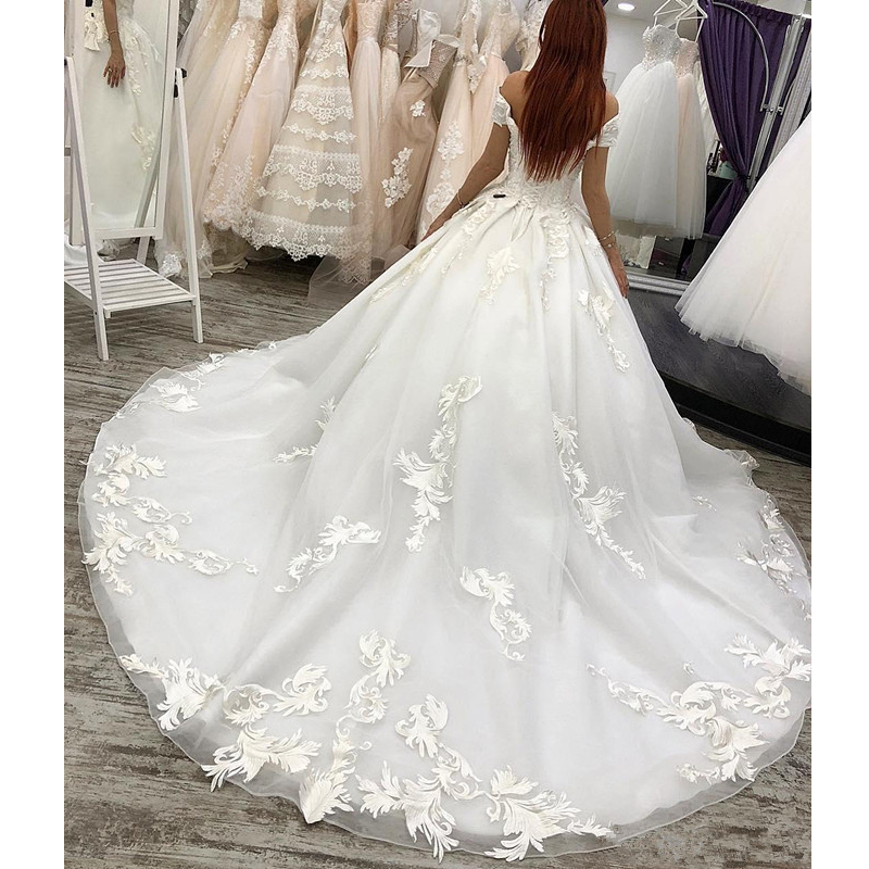 Luxury Arabic Wedding Dresses Dubai Ball Gown Princess Country Wedding gown Off The Shoulder Appliques Plus Size Bridal Gowns