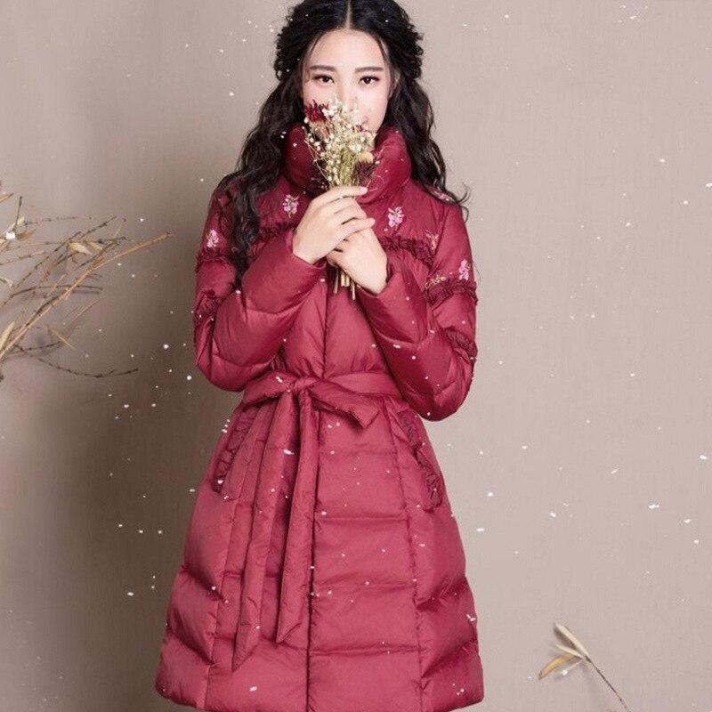 In de winter 2017 nieuwe vrouwen temperament cultiveren moraal geborduurde riem lange donsjack light string - 5