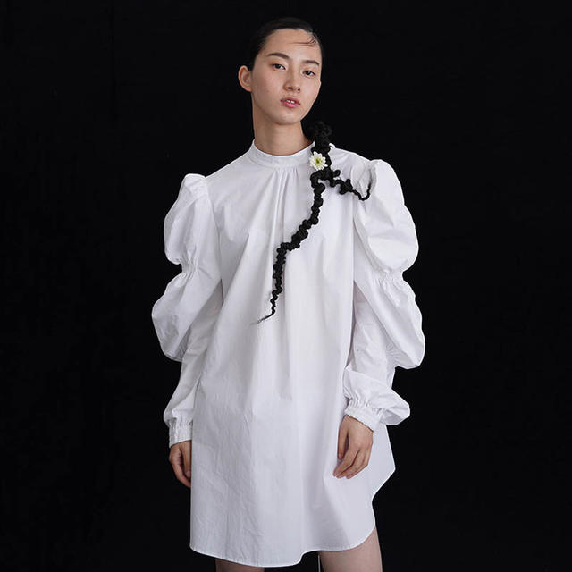 [EAM] Women Plaud Pleated Big Size Dress New Stand Collar Long Puff Sleeve Loose Fit Fashion Tide Spring Summer 2020 1W385