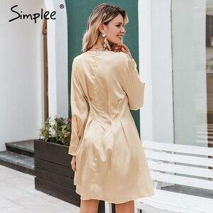 Image 4 - Simplee Sexy v neck satynowa sukienka damska z długim rękawem plisowana jesienno zimowa sukienki damskie mini moda do klubu na imprezę ladies vestidos